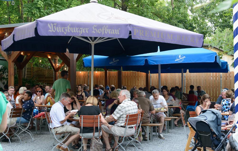 Zollhaus Wuerzburg Biergarten Fur Die Ganze Familie